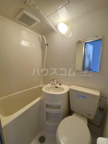 ひばりが丘ハウス 203号室の洗面所