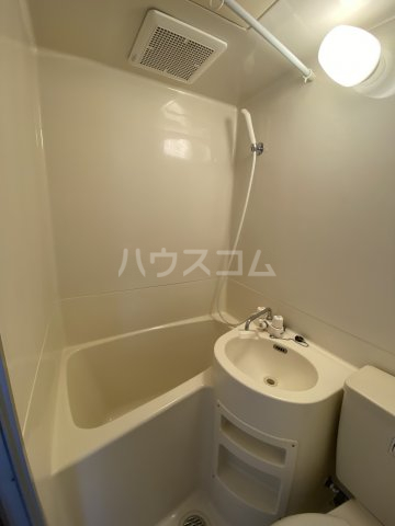 ひばりが丘ハウス 203号室の風呂