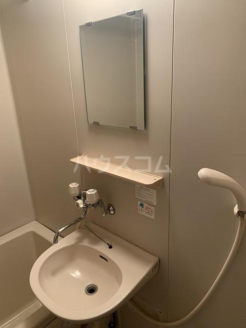 アルエットコリーヌ 101号室の洗面所
