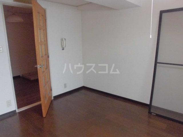 清瀬貴志ビル 406号室のリビング