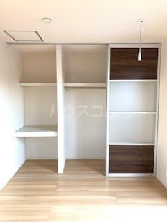 ハウス三生 203号室の収納