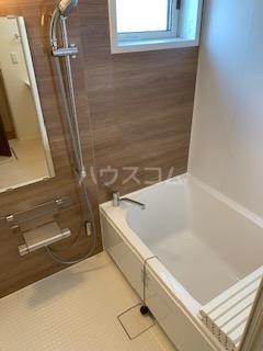 ハウス三生 203号室の風呂