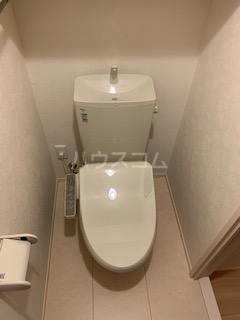 ハウス三生 203号室のトイレ