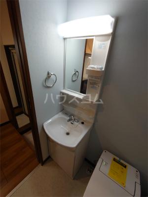 コーポ紗菜 102号室の洗面所