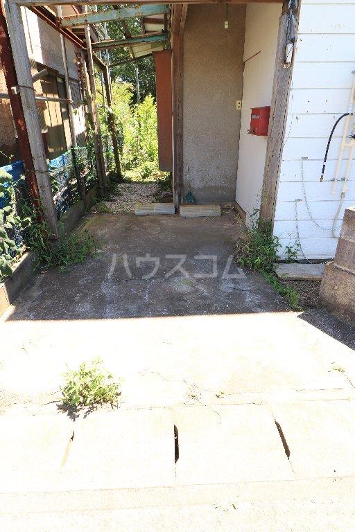 野田市三ツ堀戸建の駐車場