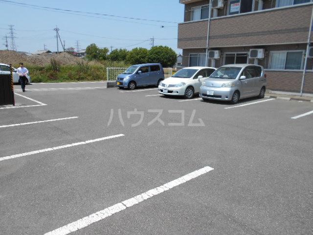 SKマンション 3-C号室の駐車場