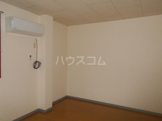 サンヒルズ飯塚 206号室のリビング