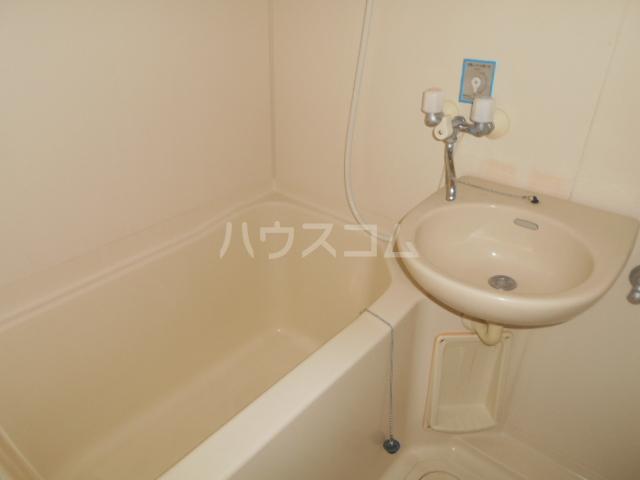 サンヒルズ飯塚 206号室の風呂