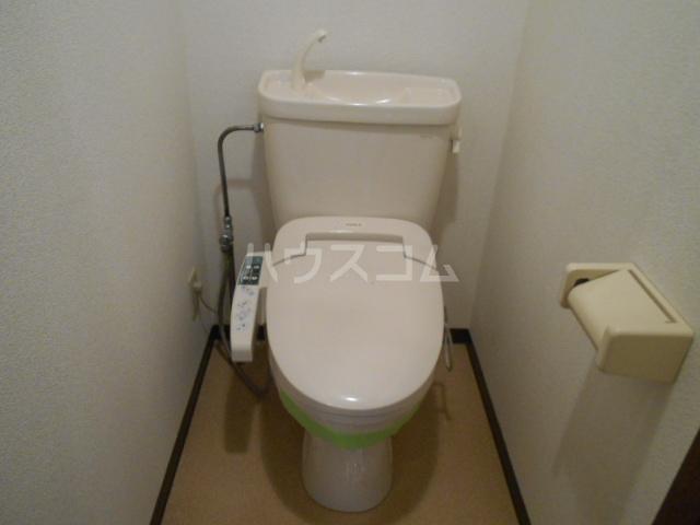 ベルサージュ21 303号室のトイレ