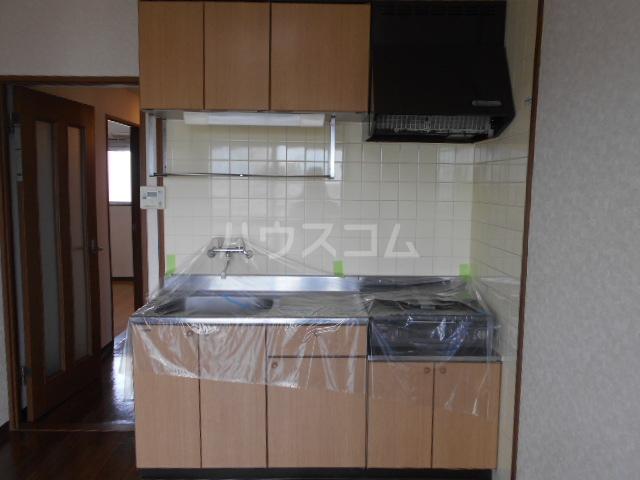 ベルサージュ21 303号室のキッチン
