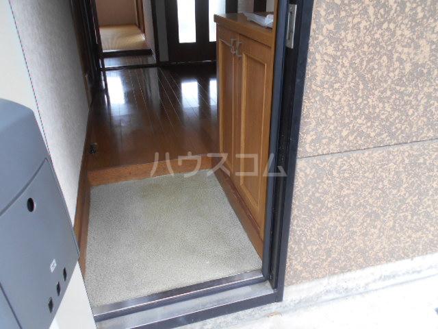 エール1 105号室の玄関