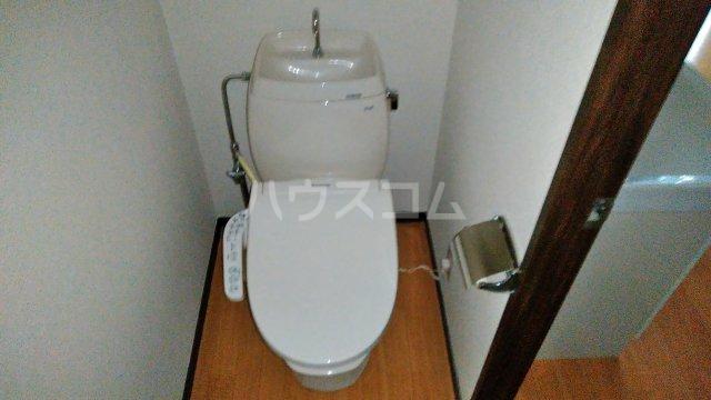 野村ハイツD 202号室のトイレ