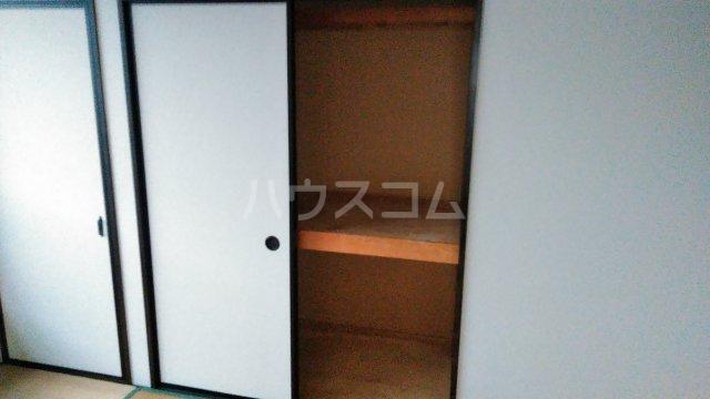 野村ハイツD 202号室の収納