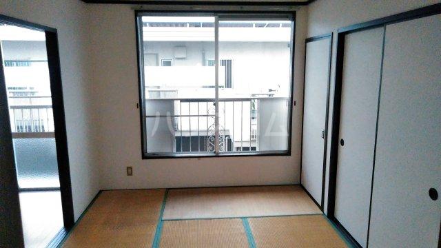 野村ハイツD 202号室の居室