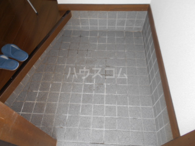 下城ハイツC 103号室の玄関