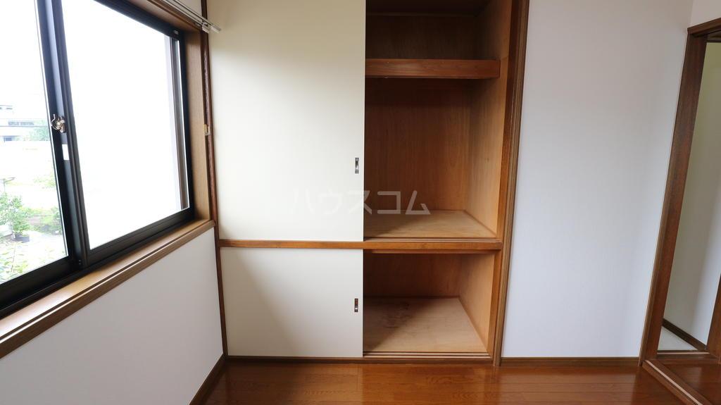 OKハイツ茂呂 19号室の収納