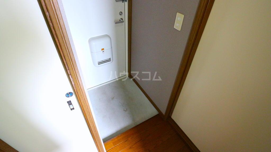OKハイツ茂呂 19号室の玄関