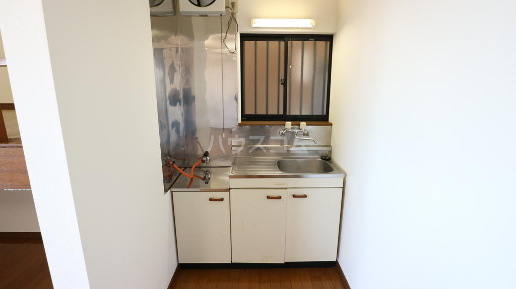 シャレル下蓮K 33号室のキッチン