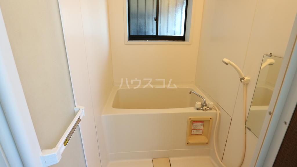 シャレル下蓮K 33号室の風呂