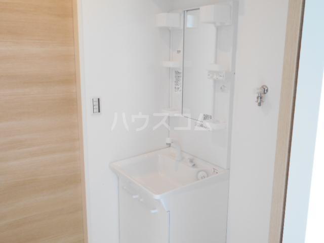 カルムコート 102号室の洗面所