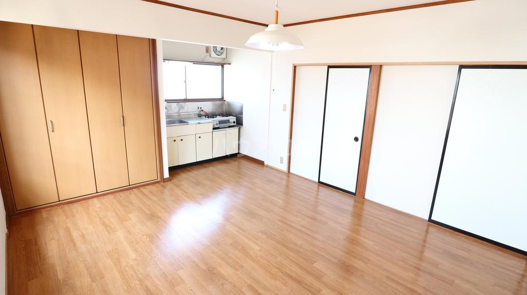 シャレル八斗島 29号室のリビング