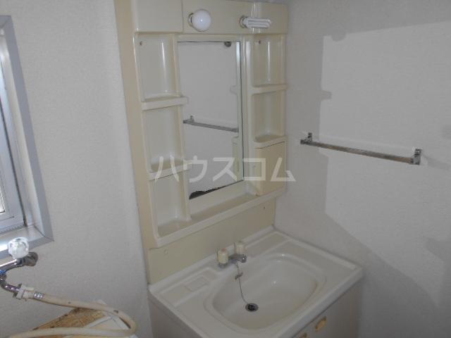 伊勢崎第二コートハウス 105号室の洗面所