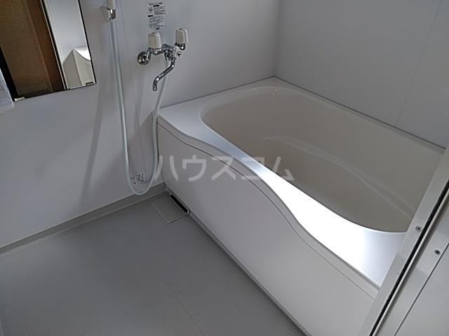 エバーリングA 103号室の風呂