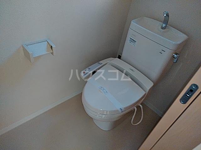 エバーリングA 103号室のトイレ