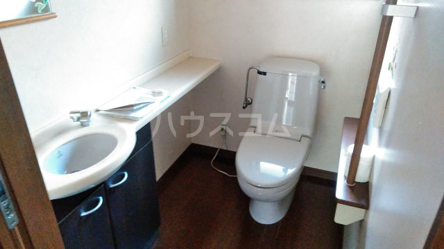 東小保方町戸建住宅のトイレ