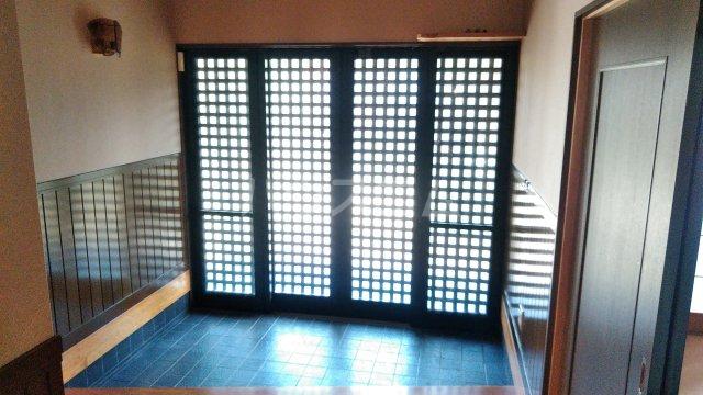 東小保方町戸建住宅の玄関