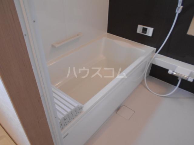 アトリスレジデンスB 1号室の風呂