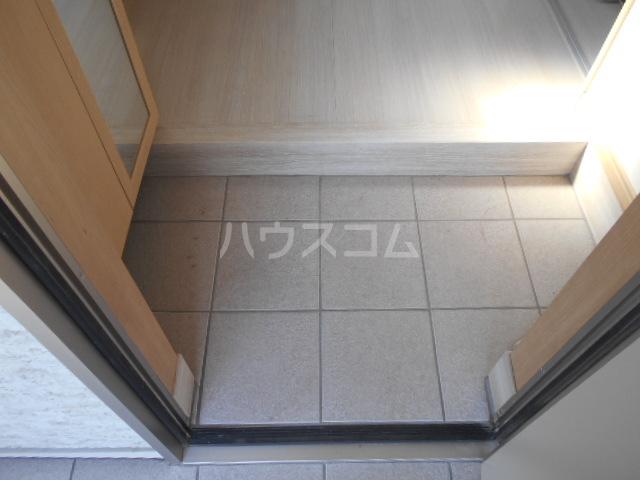 アトリスレジデンスB 1号室の玄関