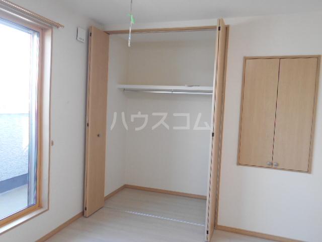 アトリスレジデンスB 1号室の収納