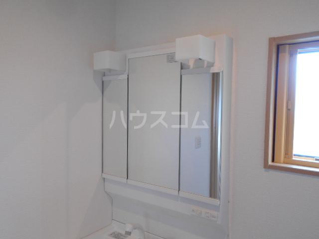 アトリスレジデンスB 1号室の洗面所