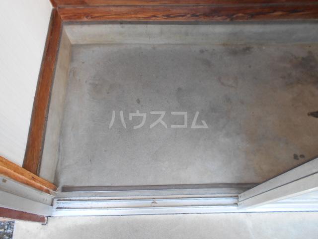 吉澤住宅A6の玄関