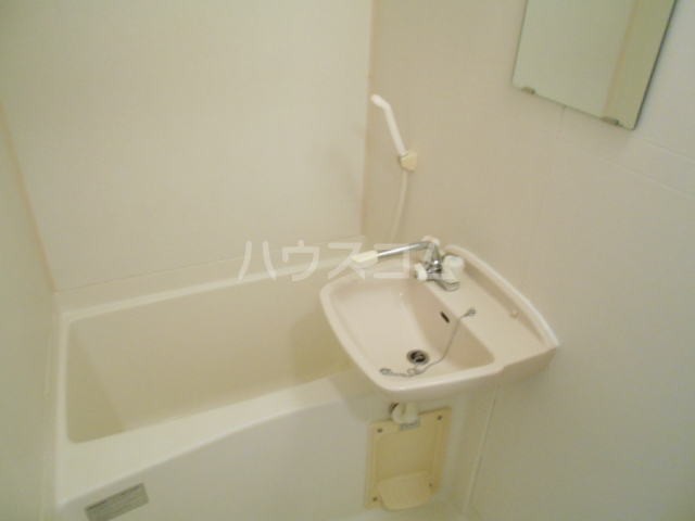 ボートハウス平尾 106号室の風呂