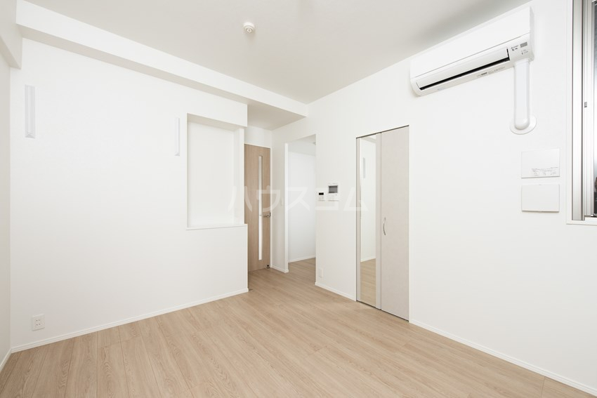 エンクレスト博多GATE 1408号室のリビング