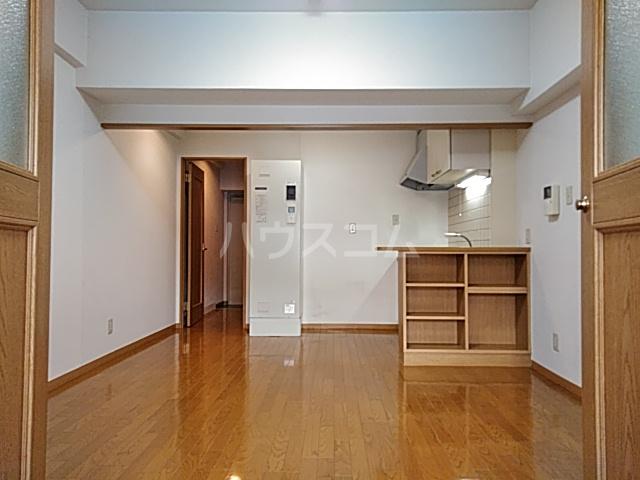大竹南ビル 303号室のリビング