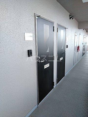 大竹南ビル 303号室の玄関