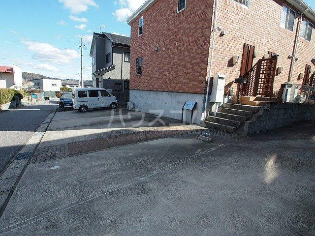 Lugar・duの駐車場