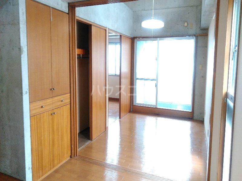 マリンハウス 301号室の居室