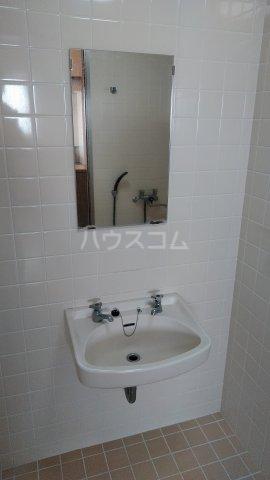 シャトレ高良 301号室の洗面所