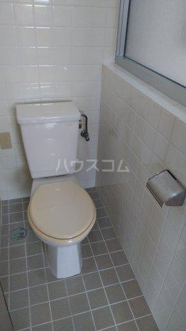 シャトレ高良 301号室のトイレ