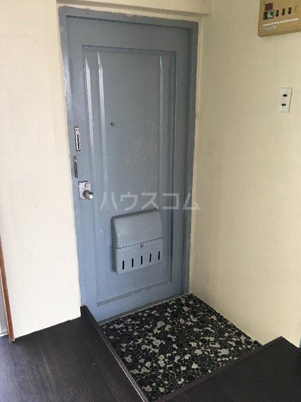 あかね荘B 301号室の玄関