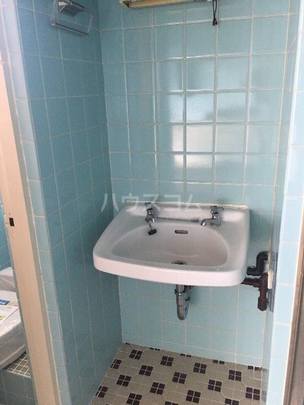 あかね荘B 301号室の洗面所