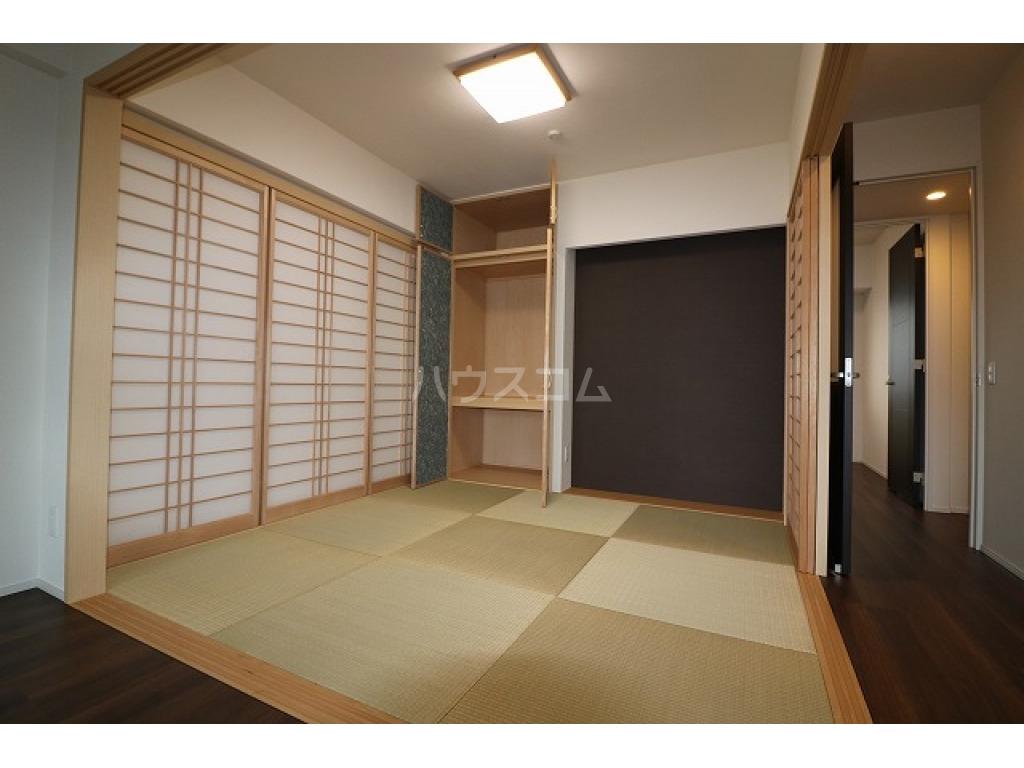 Fステージ小禄宮城弐番館 603号室のリビング