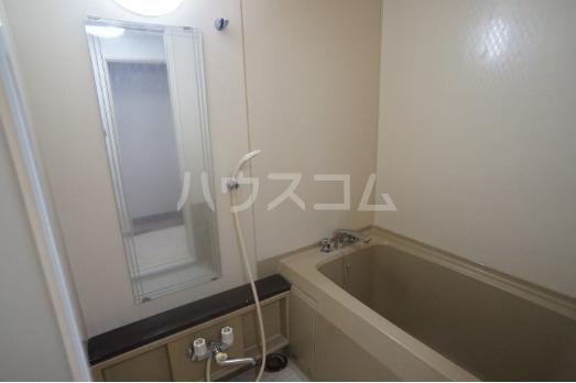 ファミール西町ポートサイド 10F号室の風呂