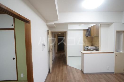 ファミール西町ポートサイド 10F号室の居室