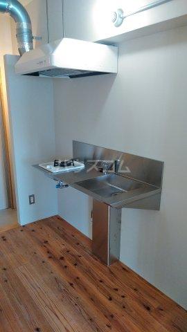 63ビル 505号室のキッチン