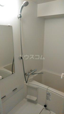 63ビル 505号室の風呂